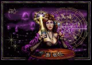 immagine che ritrae un'operatrice esoterica al tavolo del consulto che tiene in mano una candela accesa