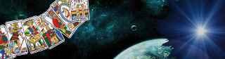immagine che ritrae un cielo stella con la luna piena e delle carte degli arcani